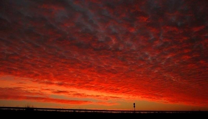 Изгреви и залези/Sunrises and sunsets