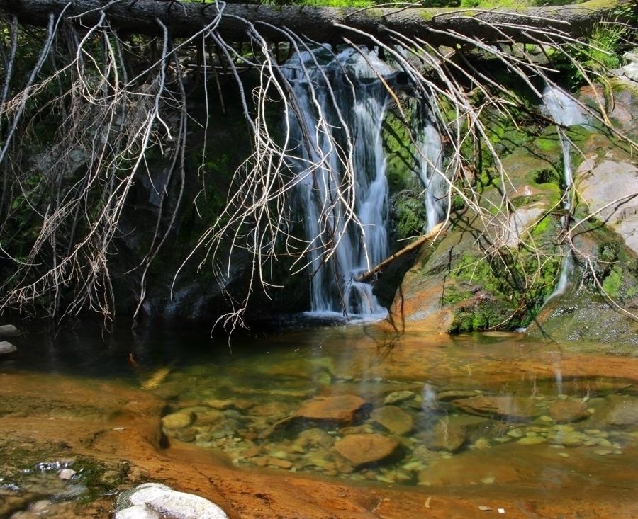 Каньонът на водопадите/Waterfalls canyon